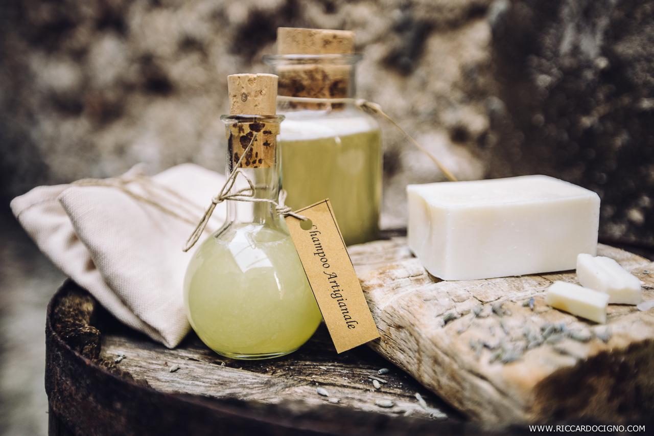 Artisan soap and shampoo. Photo by Riccardo Cigno styled by Ilaria.