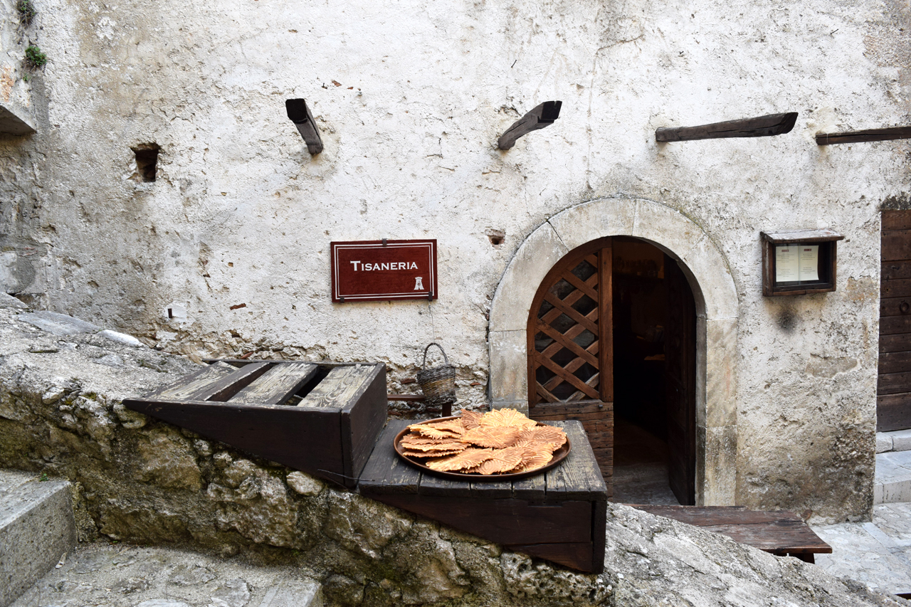 La Tisaneria (the tea room). Photo by Julian Harris