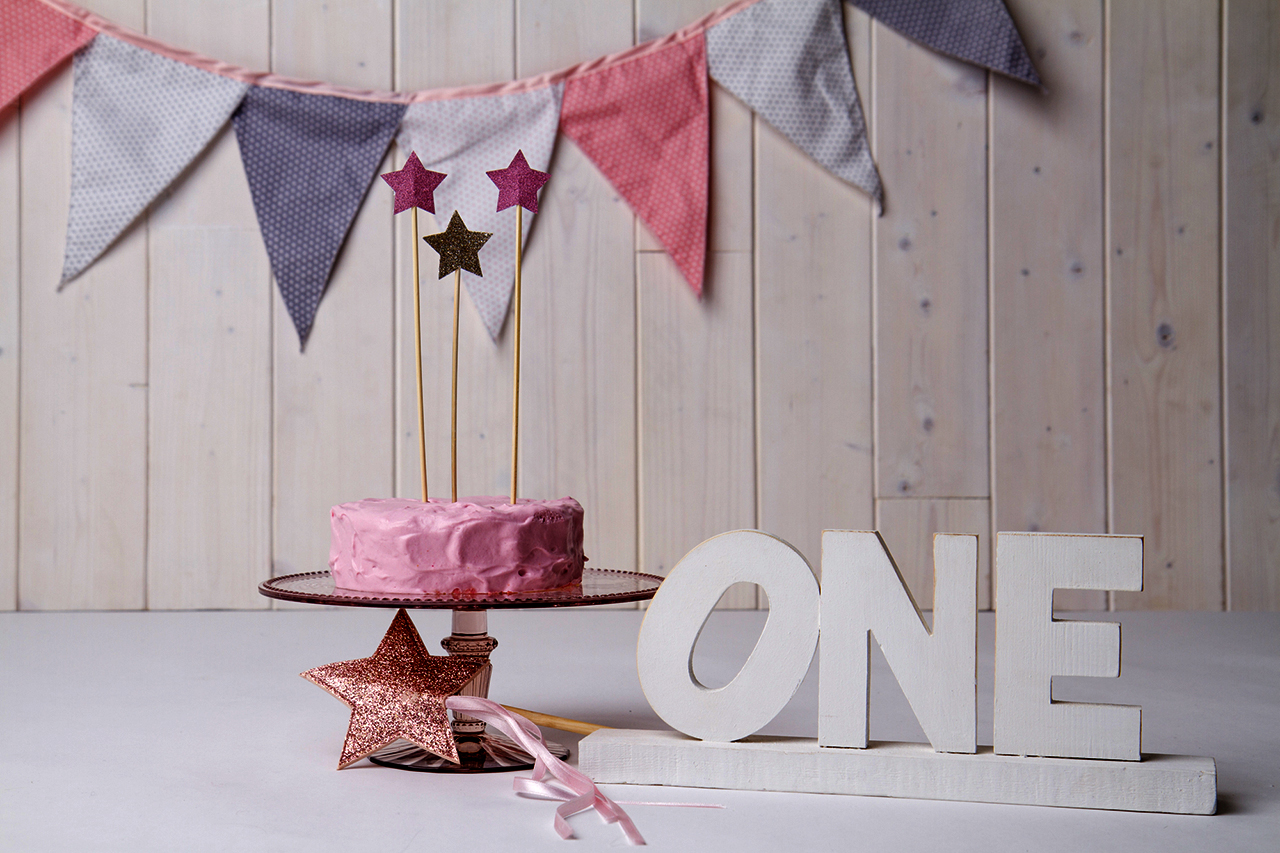 Bubbles Before Bed- Lucia handmade bunting and cake topper at Il Mondo Creativo