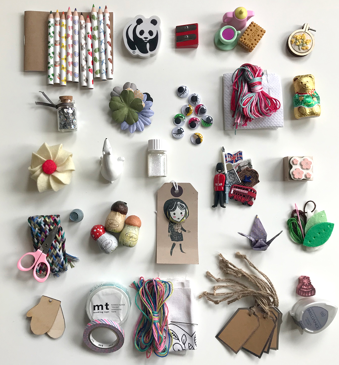 25 carefully selected mini gifts!